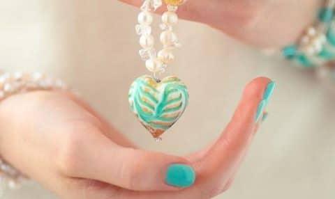 porter bijoux